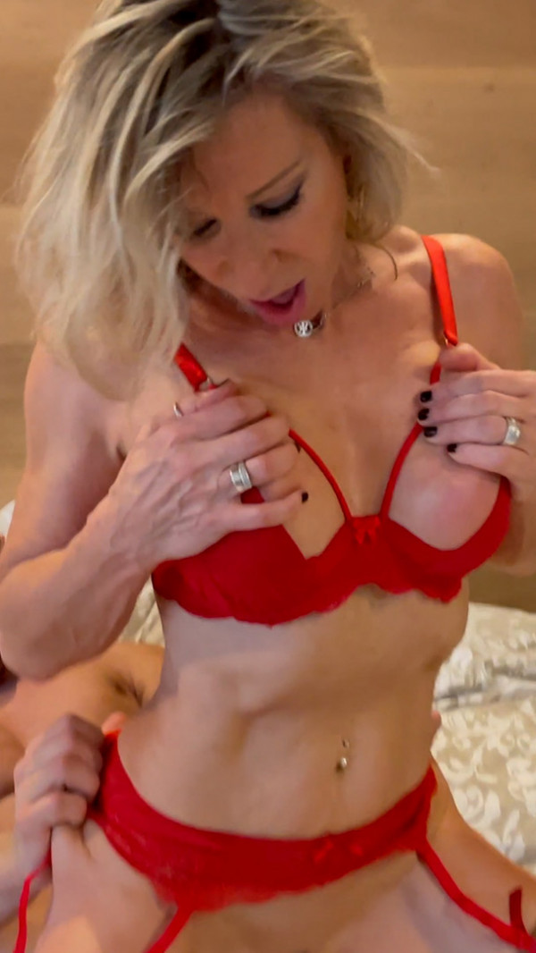 MARINA , 60 YEARS OLD AND THE  BODYBUILDER